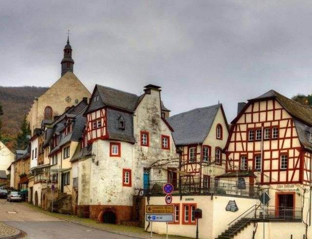 一座德国小城的建设,对中国小镇非凡启示